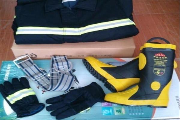 阻燃防护服有效保护人员安全