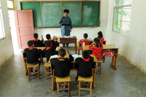 我国将继续加大农村教育的投入